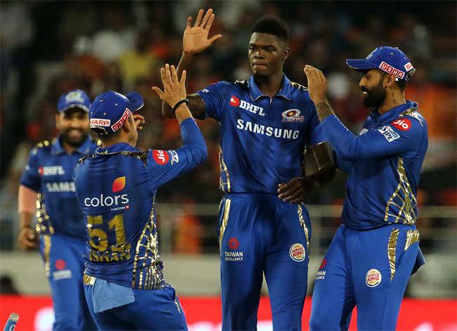 इन 5 गेंदबाजो के सामने आईपीएल में बेबस दिखे थे दिग्गज बल्लेबाज, ये हैं अब तक IPL के सर्वश्रेष्ठ गेंदबाज 8