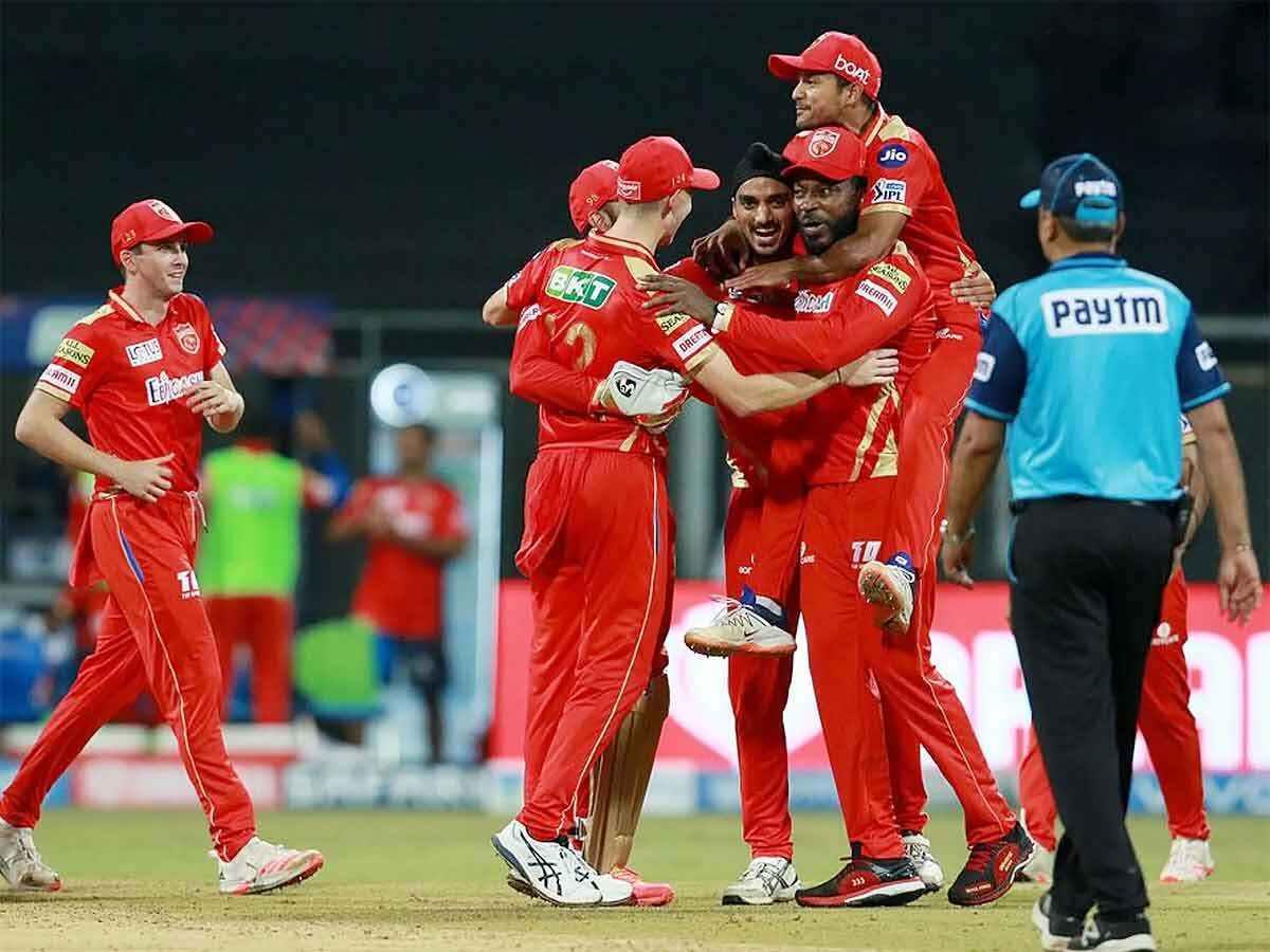 IPL 2021 PBKS vs SRH: रोमांचक मुकाबले में पंजाब किंग्स ने सनराइजर्स हैदराबाद को 5 रन से हराया, प्लेऑफ की रेस से बाहर हुई केन विलियमसन की टीम 2