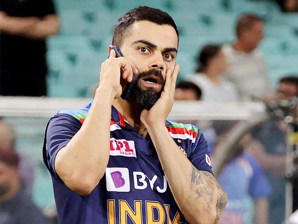 IPL 2021: श्रीलंकाई स्पिनर वानिंदु हसरंगा को विराट कोहली ने टीम से जुड़ने से पहले ही भेजा ये ख़ास मैसेज, जानिए क्या था वो मैसेज 2
