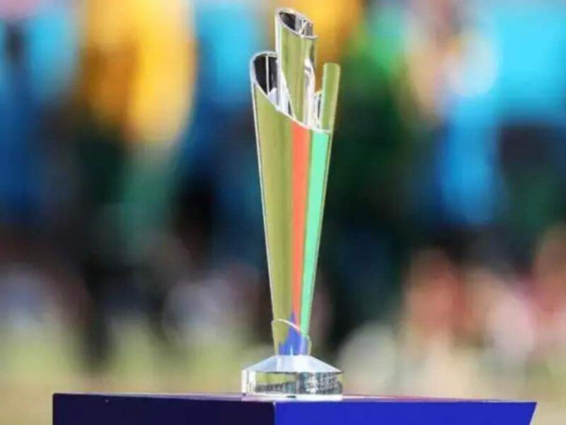 IPL 2021: दिग्गज भारतीय गेंदबाज को टी20 विश्व कप से बाहर कर इन 2 गेंदबाजो को टीम में शामिल करने की उठ रही मांग 1