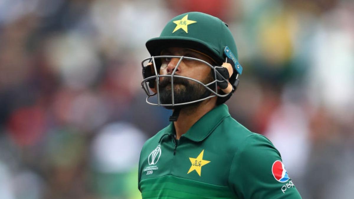 """""""टी20 विश्व कप में चुने गये मोहम्मद हफीज टूर्नामेंट से पहले ही ले सकते हैं संन्यास"""" कामरान अकमल ने किया दावा 3"""