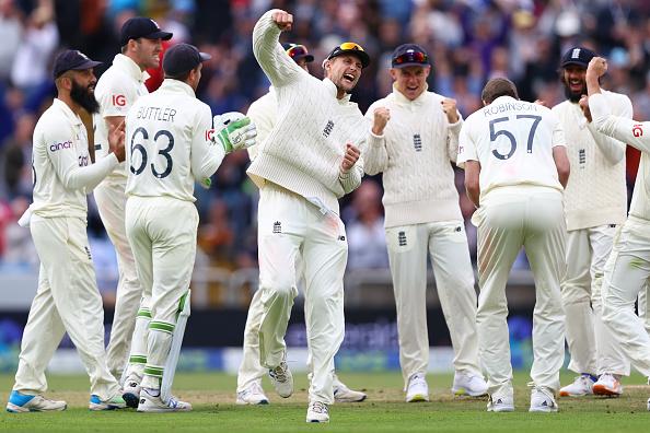 """""""जारवो ने मैदान पर घूस कर इंग्लैंड के खिलाड़ी को धक्का मारा उस पर किसी ने कुछ नहीं कहा"""" रवि शास्त्री के बचाव में उतरा पाकिस्तान, इंग्लैंड को लगाई फटकार 2"""