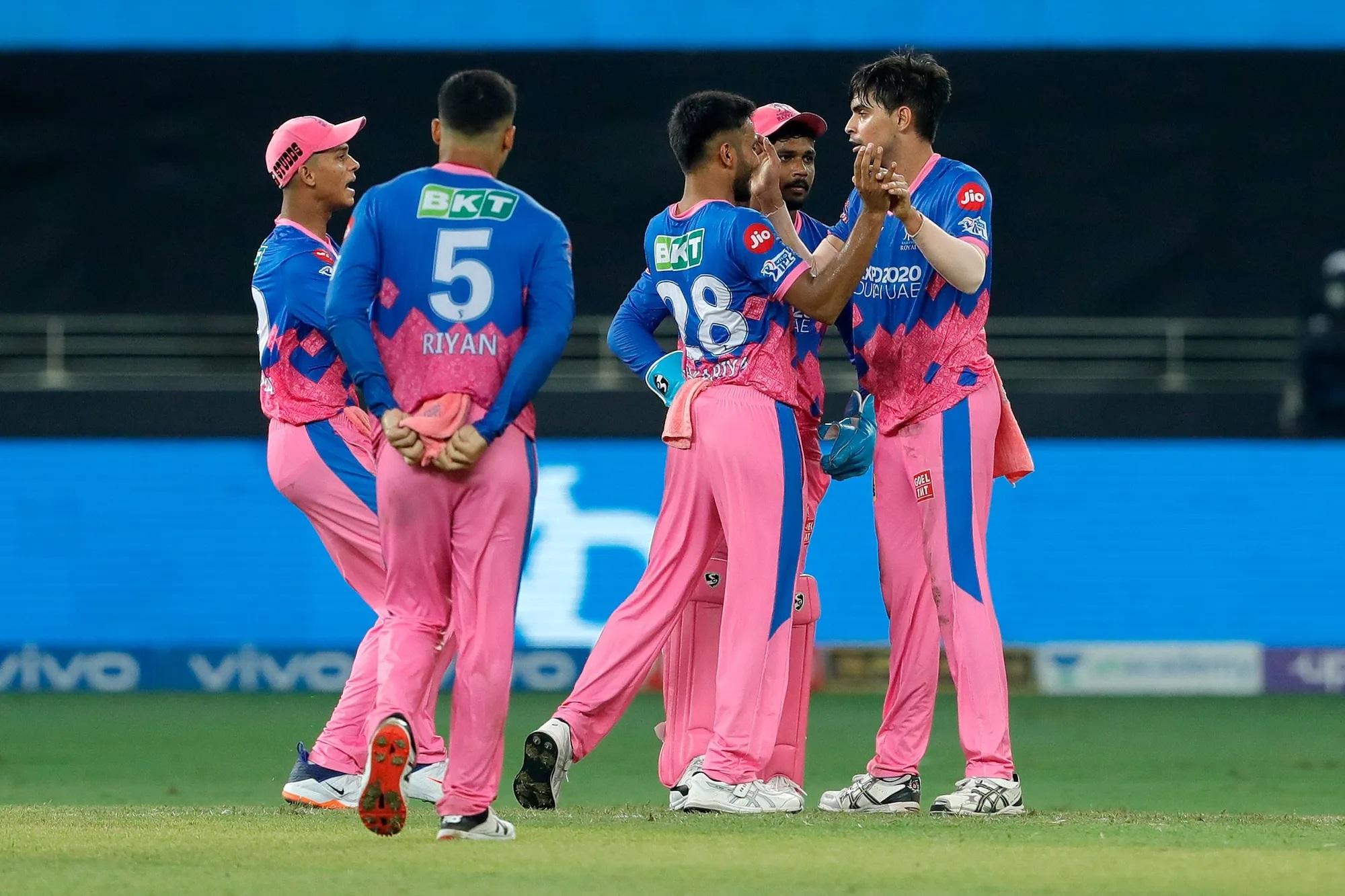 RR vs SRH: राजस्थान रॉयल्स ने टॉस जीत किया बल्लेबाजी का फैसला, हैदराबाद ने दिग्गज खिलाड़ी को किया बाहर 4