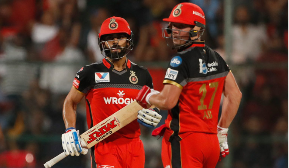 विराट कोहली के कप्तानी छोड़ने के बाद आईपीएल ट्रॉफी न जीत पाने पर बोले एबी डिविलियर्स, कह दी ये बड़ी बात 3