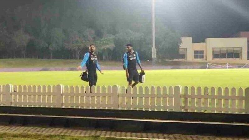 ICC T20WC: पाकिस्तान के खिलाफ केएल राहुल और एमएस धोनी को मिला मैच हारने का ऑफर, कैमरे में कैद हुआ पूरा मामला! देखें वीडियो 5