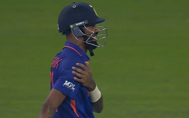 ICC T20WC- पाकिस्तान के खिलाफ मिली हार के साथ भारत को लगा दोहरा झटका, अस्पताल पहुंचे हार्दिक पंड्या 12