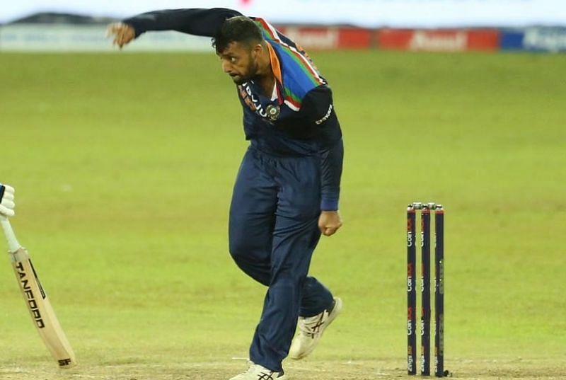 ICC T20WC- जीत की खुमारी में डूबा पाकिस्तान, इस पूर्व क्रिकेटर ने वरुण चक्रवर्ती की मिस्ट्री गेंदबाजी का बनाया मजाक 12