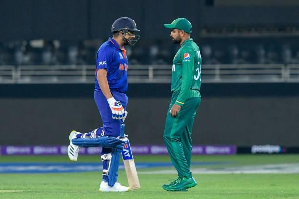 """ICC T20WC- """"रोहित शर्मा देशद्रोही है, पाकिस्तान के खिलाफ हर मैच में 0 पर आउट होता है"""" भारत के हारने पर हिटमैन पर भड़के भारतीय फैंस सुनाई खरीखोटी 11"""
