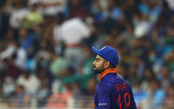 """ICC T20WC- """"विराट कोहली कप्तानी छोड़ो"""" पाकिस्तान के खिलाफ शर्मनाक हार के बाद सोशल मीडिया पर जमकर ट्रोल हो रहे विराट कोहली 13"""