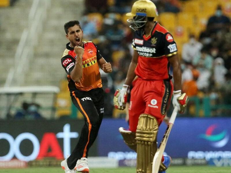 आईपीएल 2021 के 3 गेंदबाज जिन्होंने डाली सबसे तेज गेंद, लिस्ट में है भारतीय खिलाड़ी रहा सब पर भारी 6